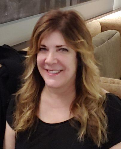 Elizabeth Mixon, LMT Profile Image